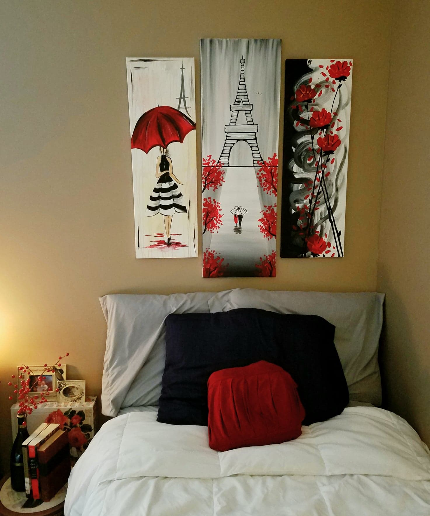 Do It Yourself House Decorations: DIY Paintings Headboard!