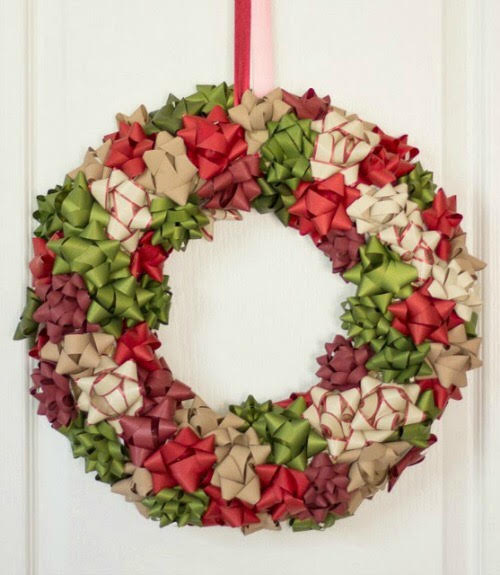 we found this amazing diy wreath adorned with bows and just had to share it made from inexpensive easy to find supplies this wreath is perfect for a - How To Make A Christmas Bow For A Wreath