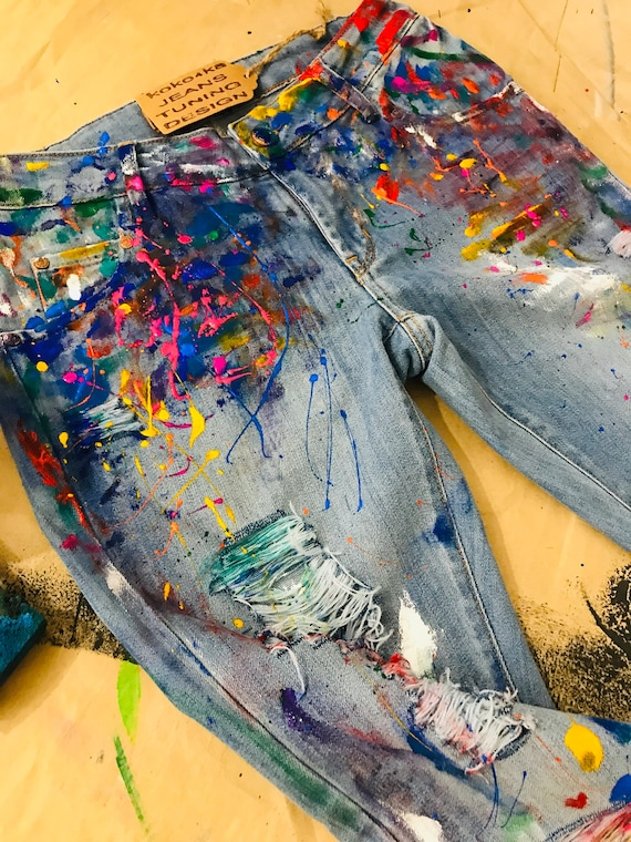 Tips For Removing Acrylic Paint From Clothing