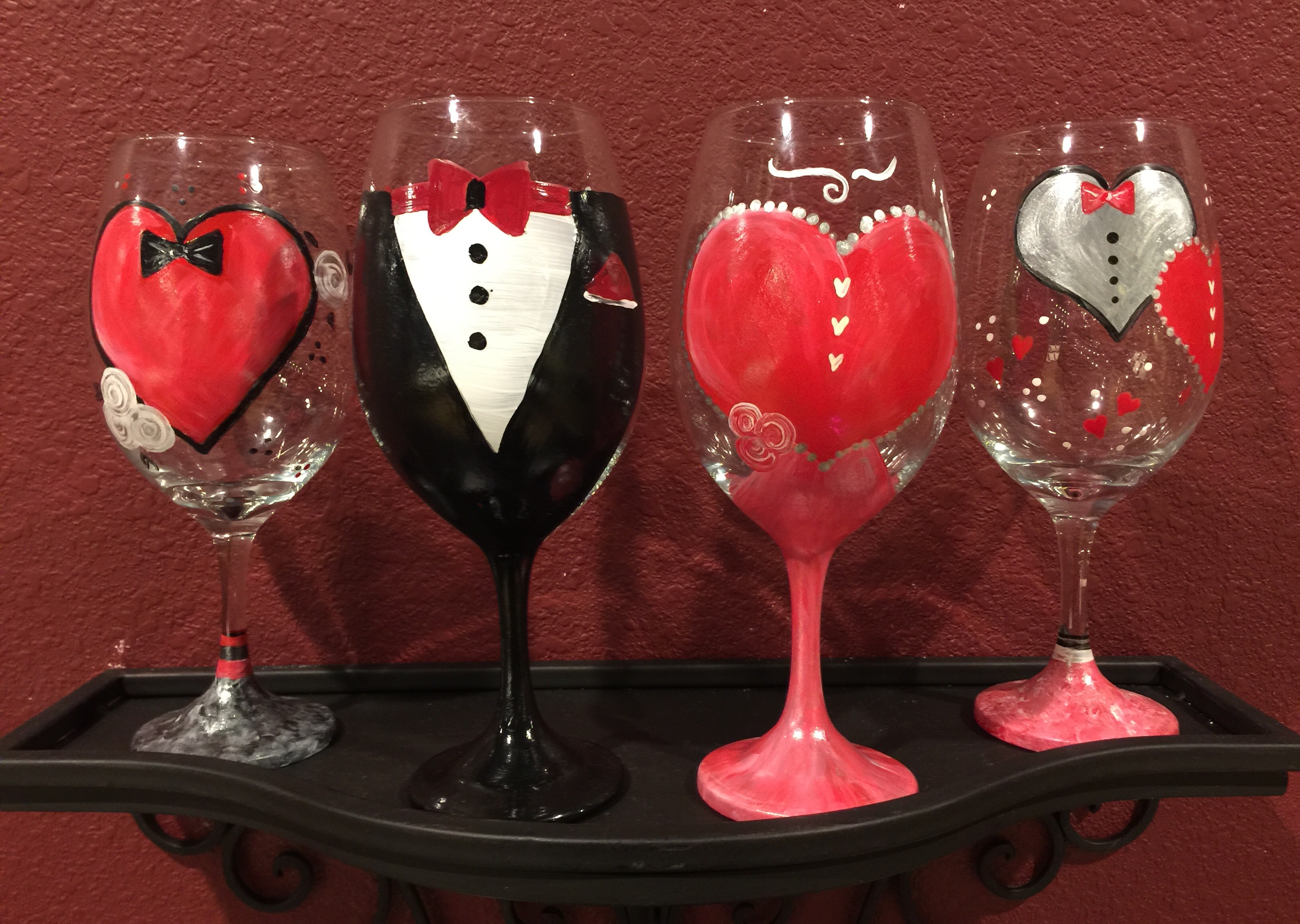 Valentine S Wine Glasses Date Night Wed Feb 10 7pm At The District