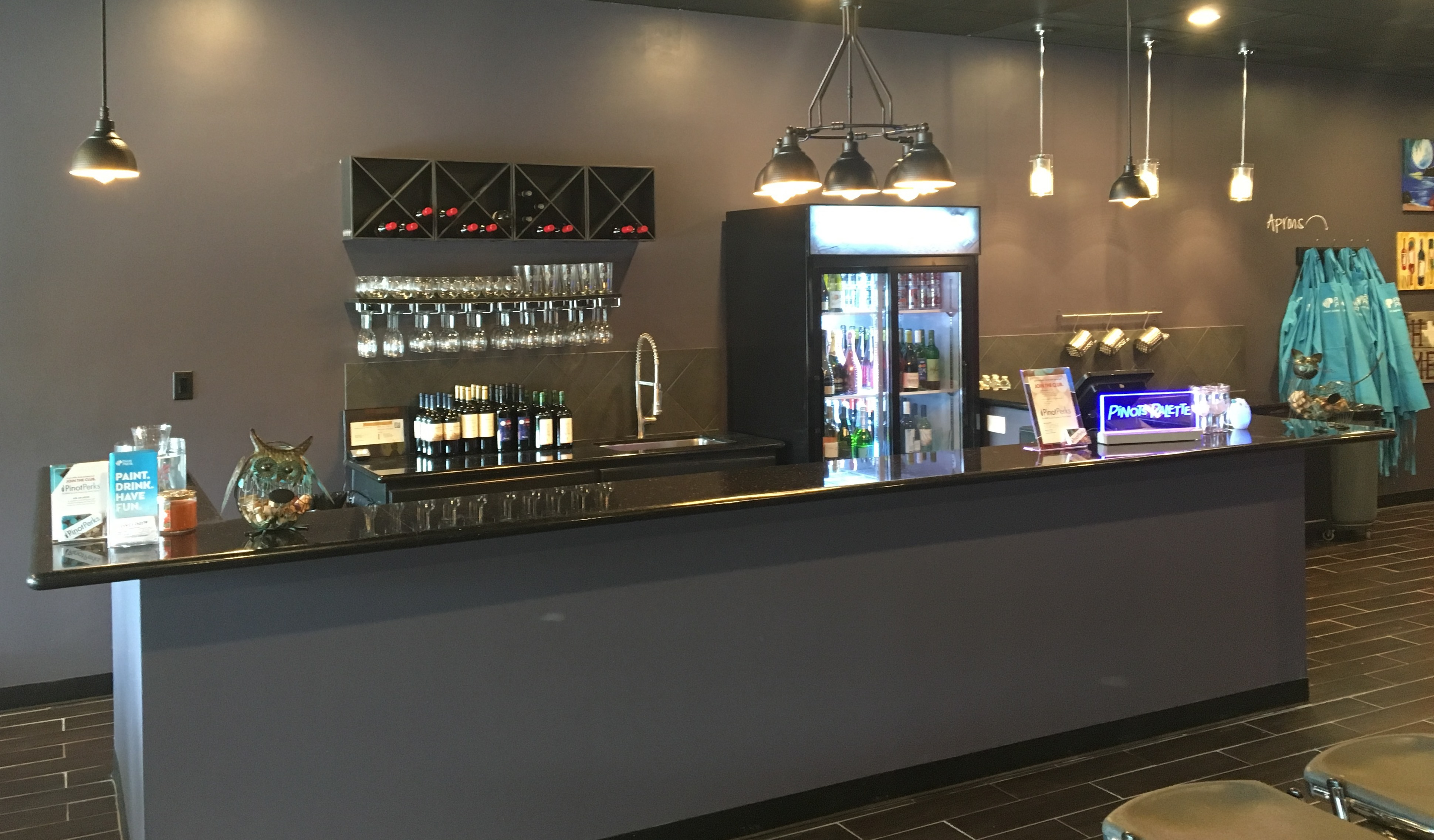 Bar at Pinot's Palette Willowbrook